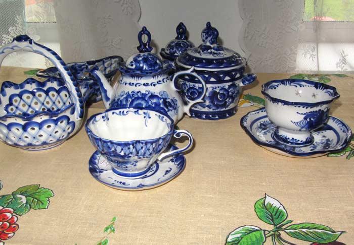 Gzhel style porcelain
