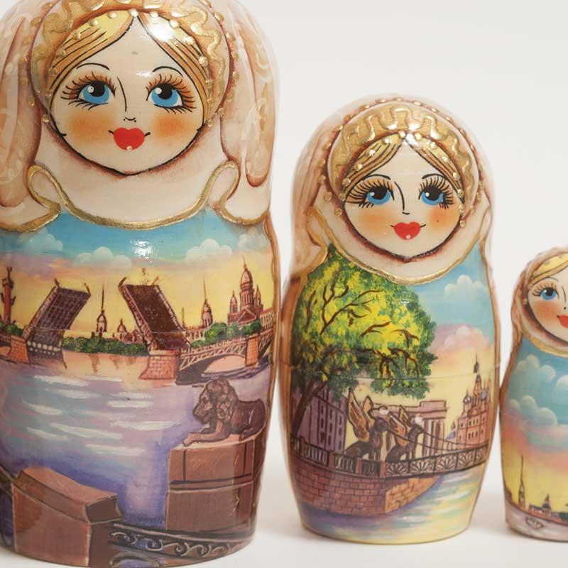 Matryoshka Saint-Petersburg Sights