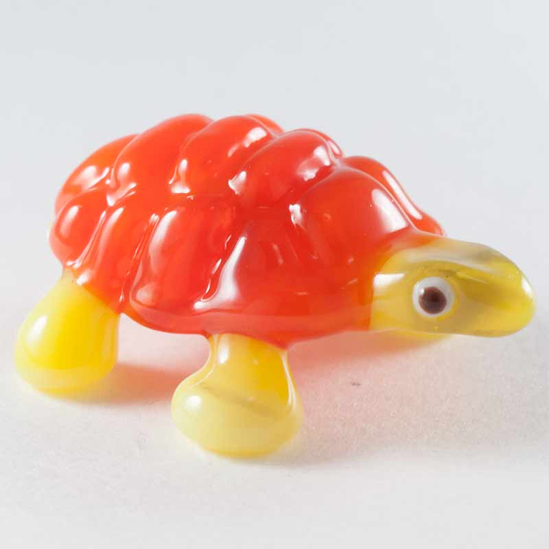 Turtile glass figurine