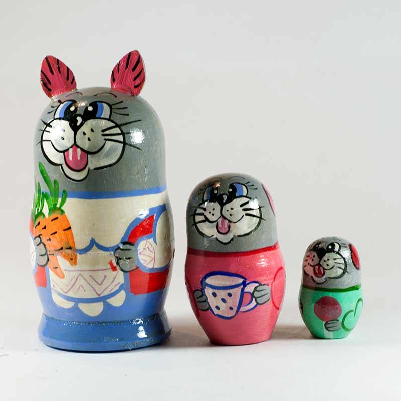 Nesting Doll Cats