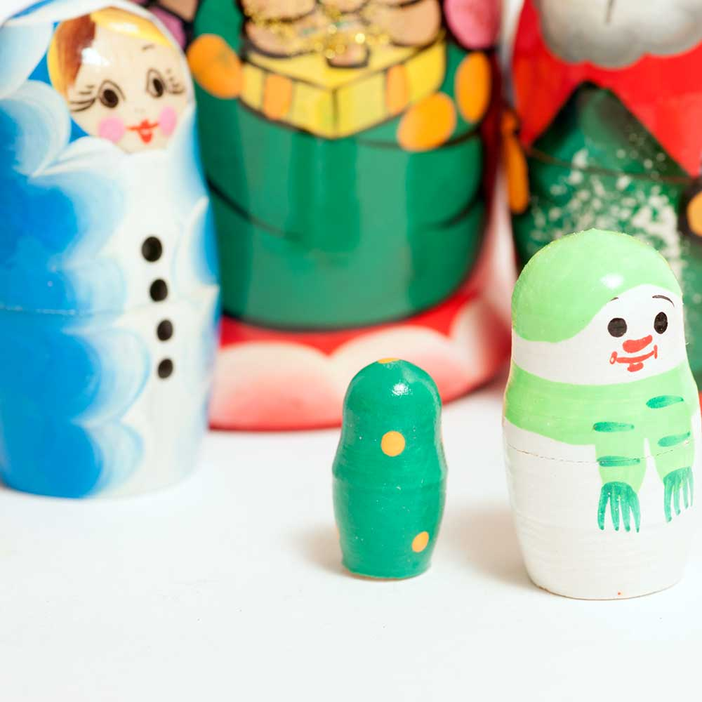 Christmas Nesting Dolls Set