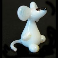 Glass Mouse Figurine, fig. 1