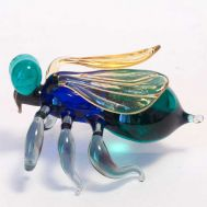 Glass Fly Figurine, fig. 1