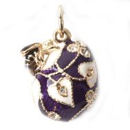 Pendant with Bee Violet, fig. 1