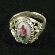 Enamel Ring Spring Violet, fig. 1