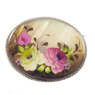 Mother of Pearl Brooch Roses, fig. 1