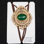 Birch Bark Pendant with Chrysoprase Stone, fig. 1