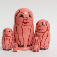 Matryoshka Doll Pigs, fig. 1