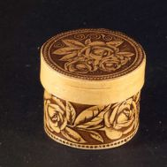 Trinket Box with Roses, fig. 1