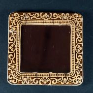 Pocket Mirror Beauty, fig. 1