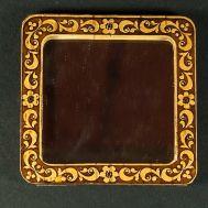 Pocket Mirror Berries, fig. 1