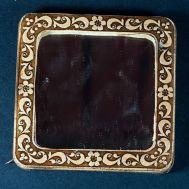 Pocket Mirror Ashberries, fig. 1