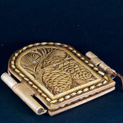 Pocket Mirror Cedar Cones, fig. 2